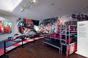 Blick in die Michael Schumacher Ausstellung