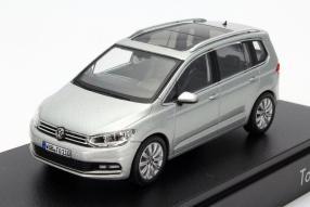 Neuer VW Touran III Maßstab 1:43