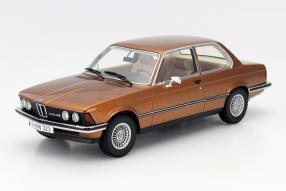 BMW 323i Maßstab 1:18
