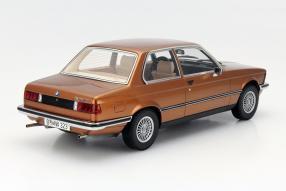 Modellauto BMW 323i Minichamps Maßstab 1:18