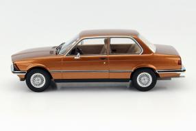 model car BMW 323i scale 1:18