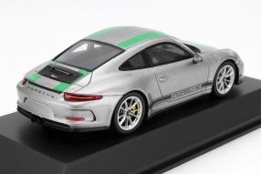 model car Porsche 911 R 991 scale 1:43