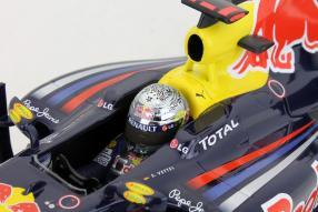 model car Red Bull RB6 Sebastian Vettel 2010 scale 1:18