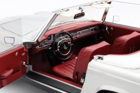 model car Mercedes-Benz SL Pagode scale 1:18