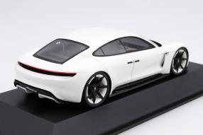Modellauto Porsche Mission E Maßstab 1:43