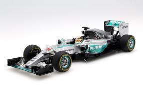 Modellauto Mercedes-AMG Petronas F1 W06 Hamilton Maßstab 1:18