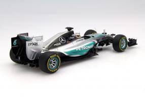 model car Modellauto Mercedes-AMG Petronas F1 W06 Hamilton scale 1:18