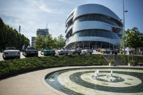 Mercedes-Benz Museum Jubiläum mit E-Klasse