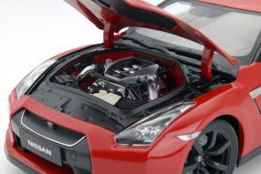 Nissan GT-R R35 1:18 Motor