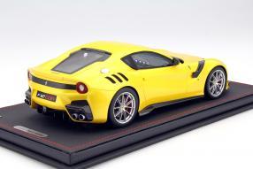 Modellauto Ferrari F12 tdf Maßstab 1:18