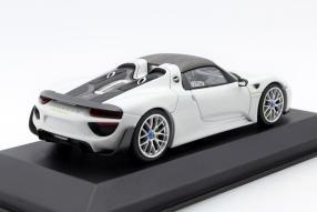 Model car Porsche 918 Spyder Weissach Package