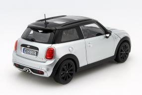 Modellauto Mini Cooper S Maßstab 1:18