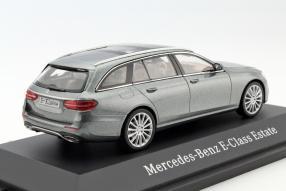 Modellauto Mercedes-Benz E-Klasse T-Modell Maßstab 1:43