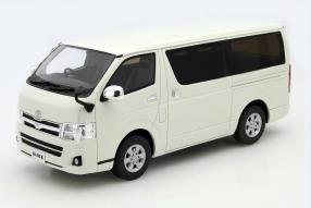 Toyota Hiace 1:18