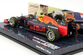 Modellauto Max Verstappen Red Bull 2016 1:43