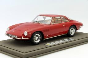 Ferrari 500 Superfast 1:18