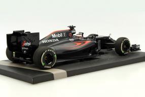 model car McLaren MP4-31 scale 1:18