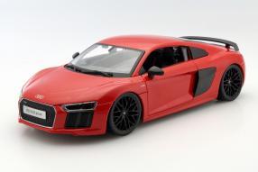 Audi R18 2016 1:18