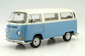 VW T2a Bus 1:18