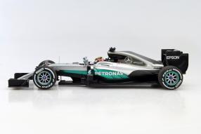 model car #LewisHamilton #MercedesAMG Petronas F1 2016 1:18 by #Minichamps