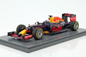 Modellauto Red Bull Daniel Ricciardo 2016 1:43