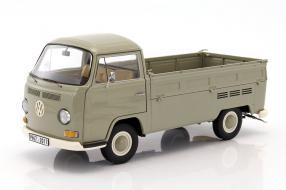 VW T2a Pritsche 1:18