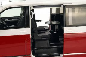 Volkswagen T6 Multivan NZG 1:18