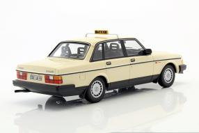 modelcars Volvo 240 GL 1:18
