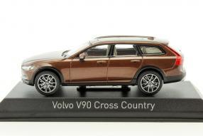 Modellautos Volvo V90 Cross Country 1:43