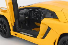 Lamborghini Aventador 1:18