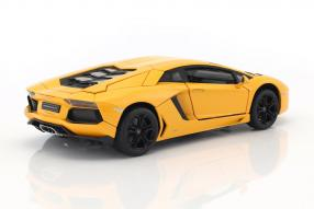 Modelcars Lamborghini Aventador 1:18