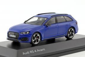 Audi RS 4 2017 1:43
