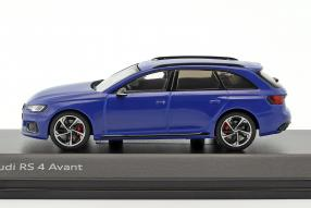 Modellautos Audi RS 4 2017 1:43