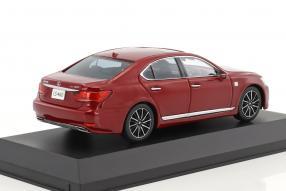Modellautos Lexus LS 460 F Sport 1:43