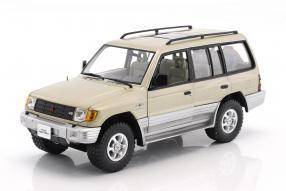 Mitsubishi Montero 1998 1:18