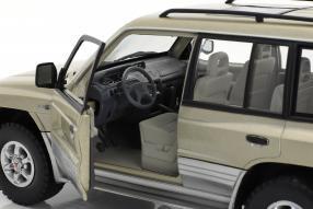Modellautos Mitsubishi Montero 1998 1:18