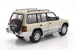 Modelcars Mitsubishi Montero 1998 1:18