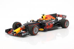 Max Verstappen Red Bull RB13 1:18 Minichamps