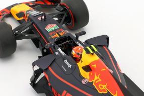 modelcars Max Verstappen Red Bull RB13 1:18 Minichamps