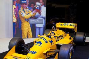Lotus 99T by Tony Hisgett