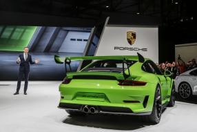 Oliver Blume präsentiert Porsche 911 GT3 RS