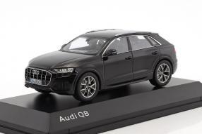 Audi Q8 1:18