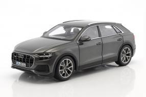 Modellautos Audi Q8 1:18