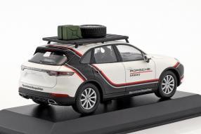 Modellautos Porsche Cayenne III World Expedition 1:43