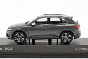 Modellautos Audi SQ5 TFSI 1:18