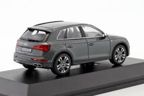 modelcars Audi SQ5 TFSI 1:18
