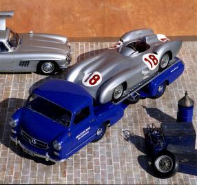 MercedesBenz Renntransporter Das Blaue Wunder 1955