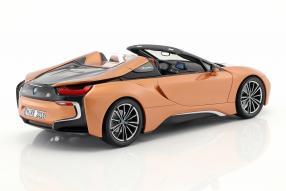 Modellautos BMW i8 Roadster 2018 1:18