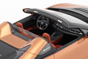 BMW i8 Roadster 2018 1:18 innen