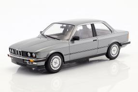 BMW 323i 1982 1:18